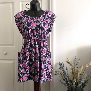 Forever 21 small flower dress with pockets